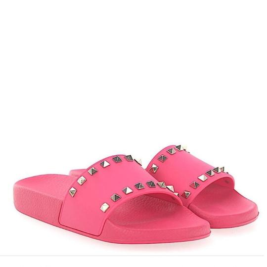 Preload https://img-static.tradesy.com/item/23694027/valentino-pink-rockstud-rubber-pvc-flats-slides-sandals-size-eu-39-approx-us-9-regular-m-b-0-1-540-540.jpg