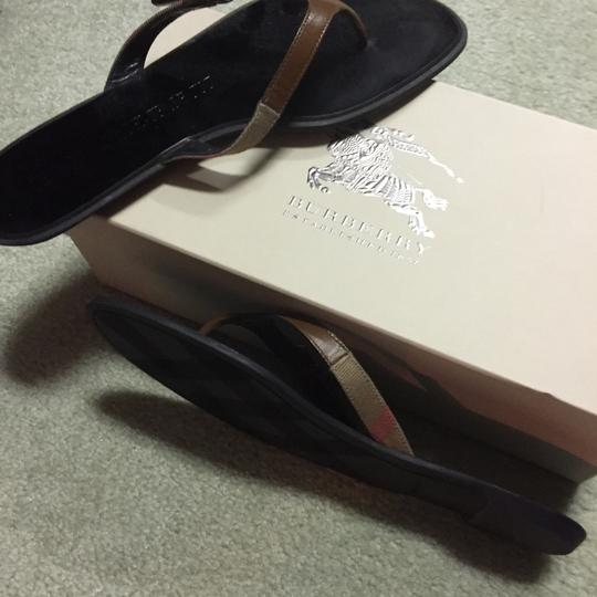 Burberry Sandals, Size 38. Excellent Condition. Sandals