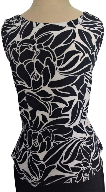 Preload https://img-static.tradesy.com/item/23694243/ann-taylor-black-and-white-linen-cotton-and-floral-blouse-size-4-s-0-1-650-650.jpg