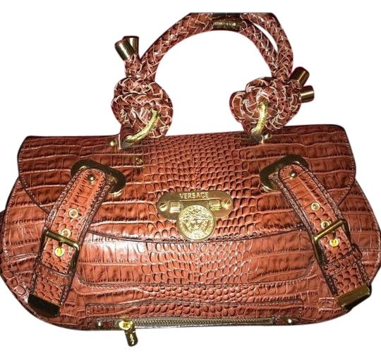 Preload https://img-static.tradesy.com/item/23694483/versace-brown-crocodile-skin-leather-shoulder-bag-0-1-540-540.jpg