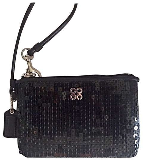 Preload https://img-static.tradesy.com/item/23694496/coach-sequined-black-wristlet-0-1-540-540.jpg