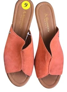A. Giannetti Coral Wedges