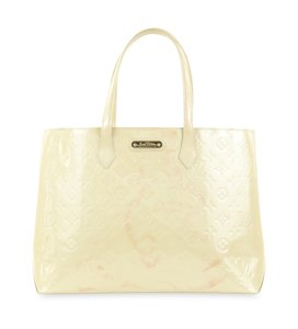 Louis Vuitton Monogram Vernis Leather Wilshire Tote in Beige