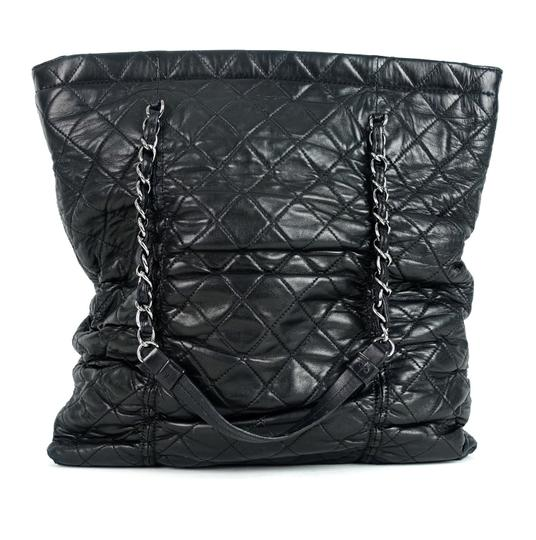 Preload https://img-static.tradesy.com/item/23697463/chanel-sharpei-quilted-black-lambskin-leather-tote-0-0-540-540.jpg