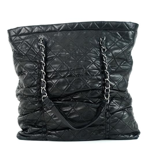 Chanel Quilted Lambskin Tote in Black