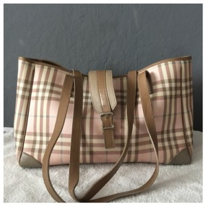 c94d3ae1ef5 Burberry Diaper Bags - Up to 90% off at Tradesy