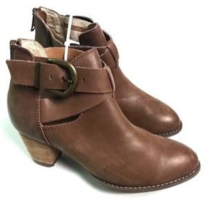Vionic Cut Out Brown Boots