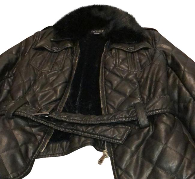 Forever 21 Black With Faux Fur Collar Jacket Size 8 (M) Forever 21 Black With Faux Fur Collar Jacket Size 8 (M) Image 1