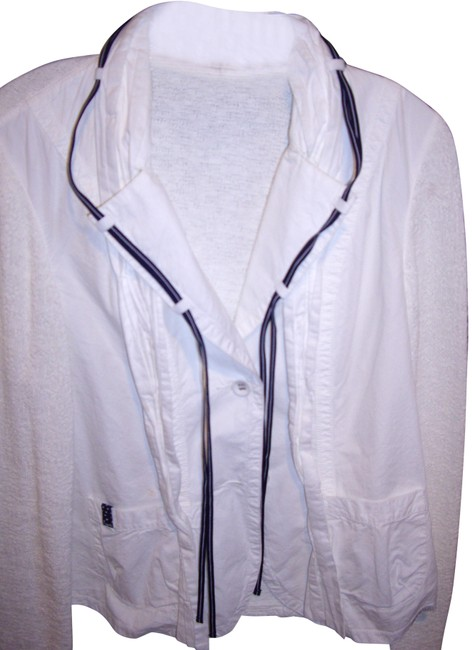 Item - White/Navy Jacket/Blue Jacket Size 8 (M)