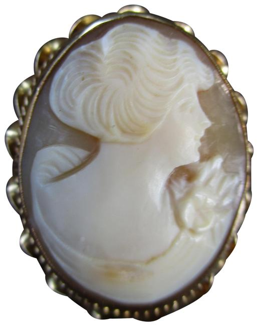 Item - Gold Tan & Beige Vintage 10 Kt Carved Shell Cameo Pin
