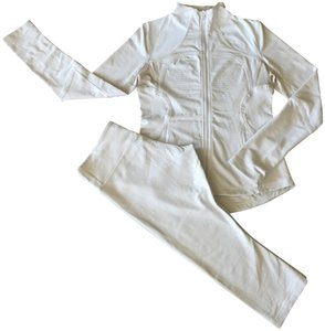 Lululemon 2pc set tan and white checkered forme jacket and leggings