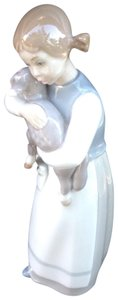 Lladró authentic llardro girl with lamb porcelain figurine