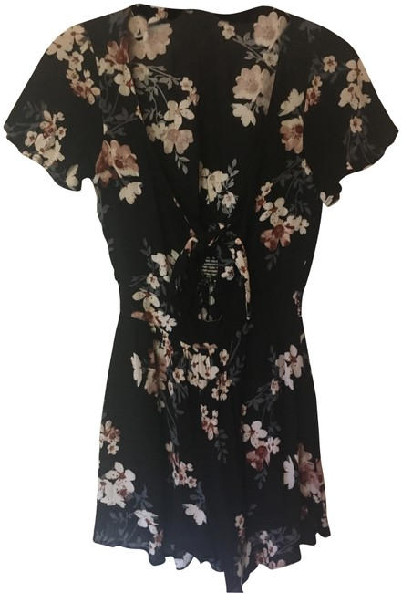 Preload https://img-static.tradesy.com/item/23706596/american-eagle-outfitters-floral-aeo-tie-front-short-romperjumpsuit-size-0-xs-0-1-650-650.jpg