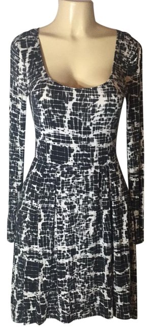 Preload https://img-static.tradesy.com/item/23706911/silence-noise-black-and-white-sexy-open-mid-length-night-out-dress-size-8-m-0-1-650-650.jpg