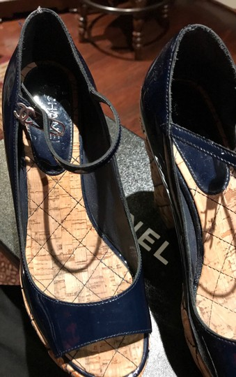 Chanel Dark Navy Patent /Leather Sandals Image 2