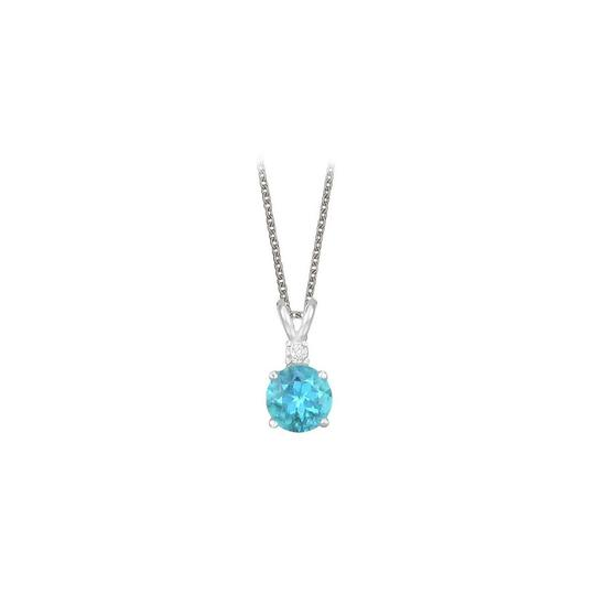 Preload https://img-static.tradesy.com/item/23707489/blue-round-cut-created-topaz-and-cubic-zirconia-pendant-necklace-0-0-540-540.jpg