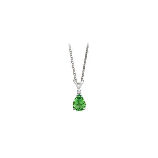 Preload https://img-static.tradesy.com/item/23707886/green-pear-cut-created-emerald-and-cubic-zirconia-pendant-necklace-0-0-540-540.jpg