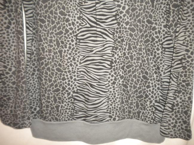 Jason Maxwell Long Sleeve Animal Pattern Black/Gray Cotton Blend T Shirt Black/Gray Image 2