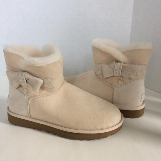 UGG Australia New With Tags FRESH SNOW Boots Image 2