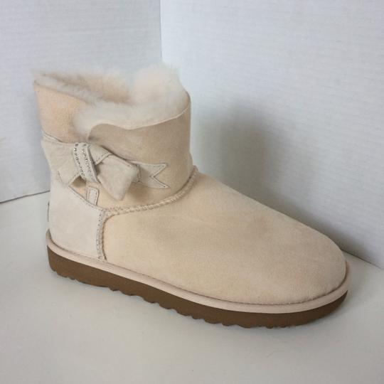 UGG Australia New With Tags FRESH SNOW Boots Image 4