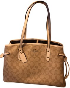 Coach Tote in White and tan