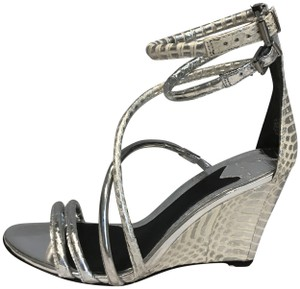 B Brian Atwood Snakeskin Never Worn Wedge Metallic Strappy Silver/Ivory Sandals