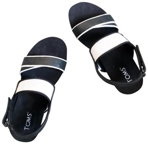 d3d28939cbc TOMS Sandals - Up to 90% off at Tradesy