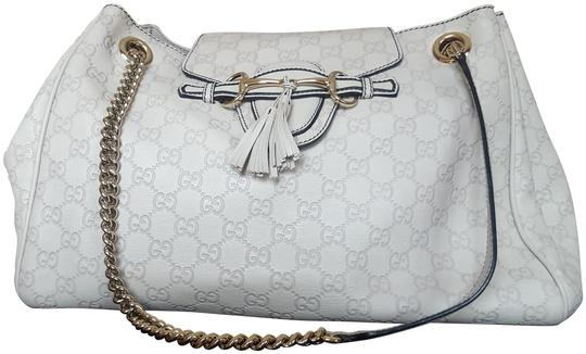 Preload https://img-static.tradesy.com/item/23719483/gucci-emily-guccissima-large-shouldercrossbody-light-grey-classic-signature-leather-shoulder-bag-0-1-540-540.jpg