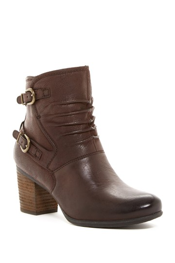 Preload https://img-static.tradesy.com/item/23719814/josef-seibel-moro-brown-ruched-britney-bootsbooties-size-eu-40-approx-us-10-regular-m-b-0-0-540-540.jpg