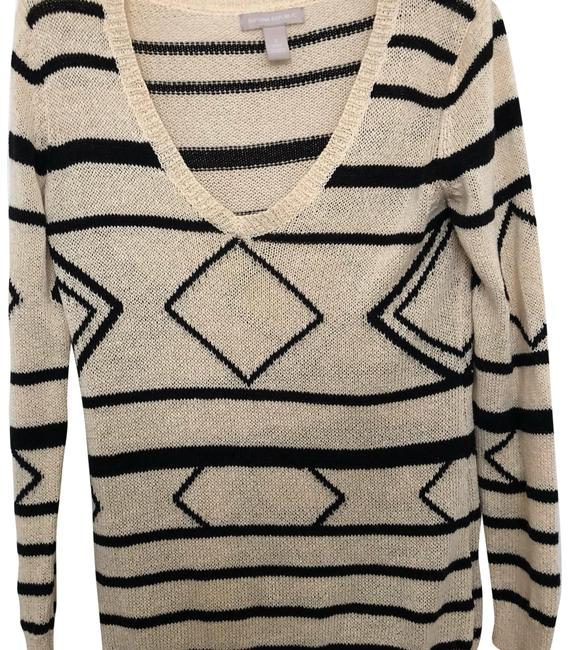 Preload https://img-static.tradesy.com/item/23719819/banana-republic-cream-and-black-heritage-aztec-sweaterpullover-size-4-s-0-1-650-650.jpg