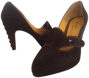 Te Casan Brown suede Pumps