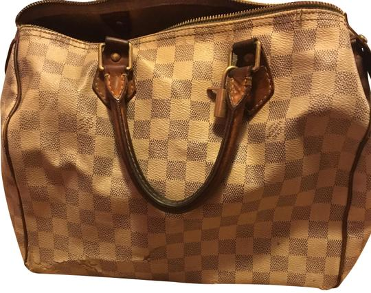 Preload https://img-static.tradesy.com/item/23719908/louis-vuitton-speedy-30-white-leather-hobo-bag-0-1-540-540.jpg