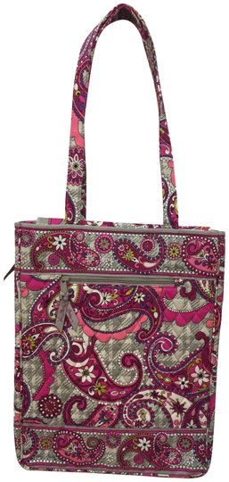 Preload https://img-static.tradesy.com/item/23719936/vera-bradley-computer-casetote-pink-pattern-fabric-laptop-bag-0-1-540-540.jpg
