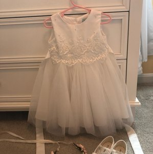 Blossom Ivory/White Tulle with Lace Flower Girl Traditional Bridesmaid/Mob Dress Size 2 (XS)