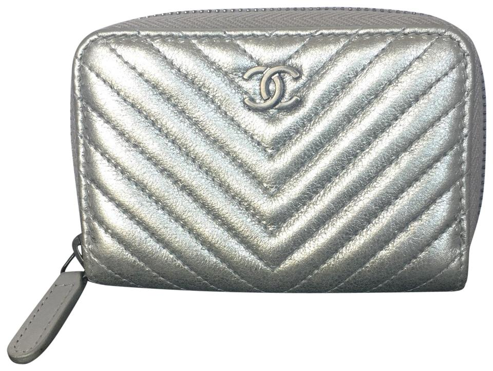 65a3f2c65684 Chanel Metallic Silver Zippy Coin Purse Chevron Lambskin Wallet ...