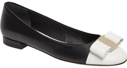 Preload https://img-static.tradesy.com/item/23720276/salvatore-ferragamo-black-new-varina-ct-white-ballet-b-flats-size-us-7-regular-m-b-0-1-540-540.jpg