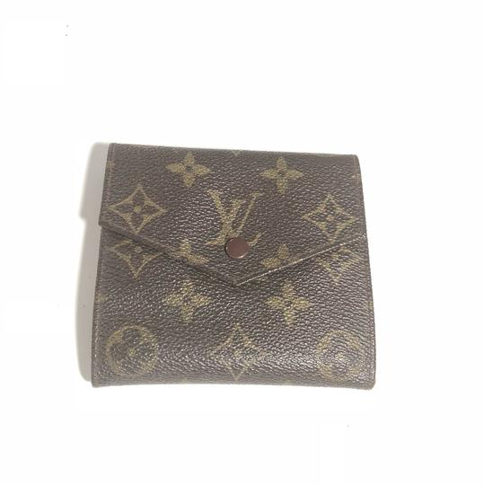 Preload https://img-static.tradesy.com/item/23720304/louis-vuitton-monogram-canvas-multiple-trifold-credit-card-wallet-0-0-540-540.jpg