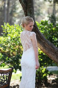 Claire Pettibone Ivory Cotton Silk Lining Chantilly Feminine Wedding Dress Size 8 (M)