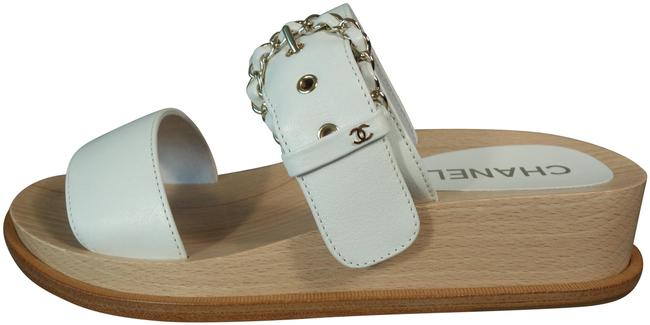 Item - White & Beige Leather 2 Straps Gold Woven Chain Cc Wedges Sandals Mules/Slides Size EU 40 (Approx. US 10) Regular (M, B)