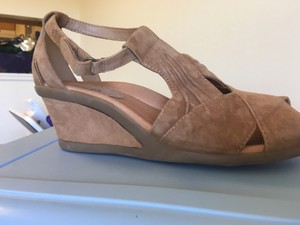 Earth Suede Leather T-strap Comfortable Tan Wedges