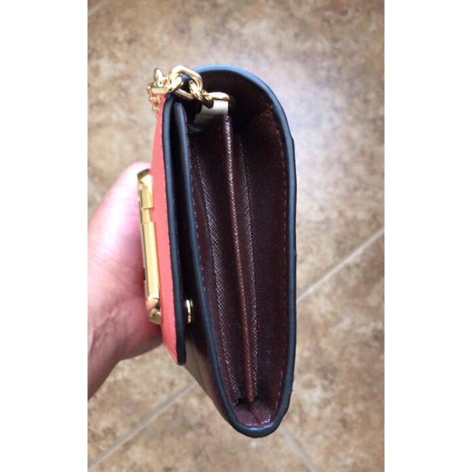 A On Bag Saffiano Chain Two Marc Jacobs Wallet tone Leather Shoulder 4R7qwOq