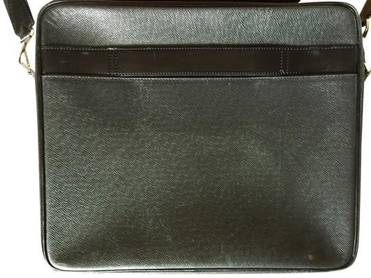 Preload https://item2.tradesy.com/images/louis-vuitton-laptop-bag-black-2372491-0-0.jpg?width=440&height=440