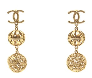 Chanel Rare and Exquisite CC cutout ball gold dangle pierced stud earrings
