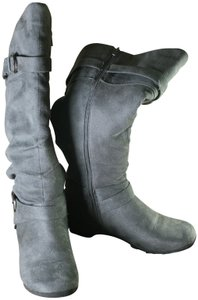 Maurices Knee High Flat Suede Side Zipper Harness gray Boots