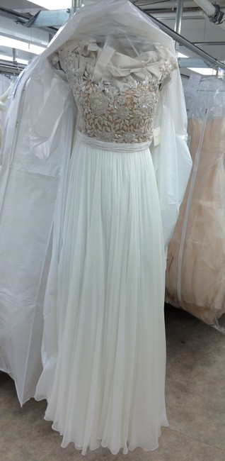 Item - Ivory and Gold 5024 Wedding Dress Size 4 (S)