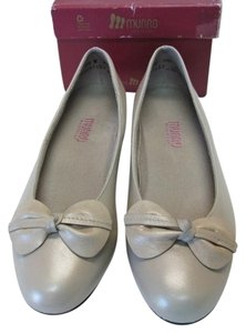 Munro American New Size 7.50wide BONE COLOR Pumps