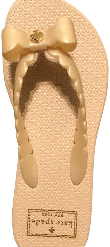 7f88be7301ad Kate Spade Pearly Soft Blush---new In Box Super Feminine Denise Sandals