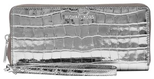 Michael Kors Wristlet in GUNMETAL
