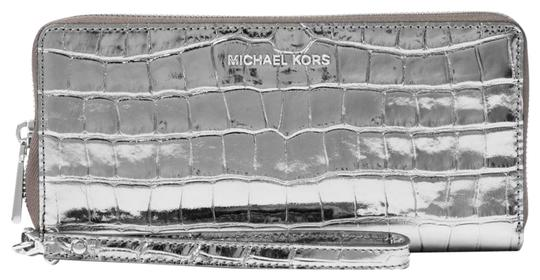 Preload https://img-static.tradesy.com/item/23730025/michael-kors-jet-set-metallic-embossed-leather-continental-gunmetal-leather-wristlet-0-1-540-540.jpg