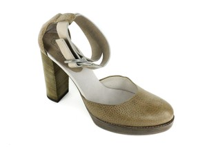 Brunello Cucinelli Beige Pumps